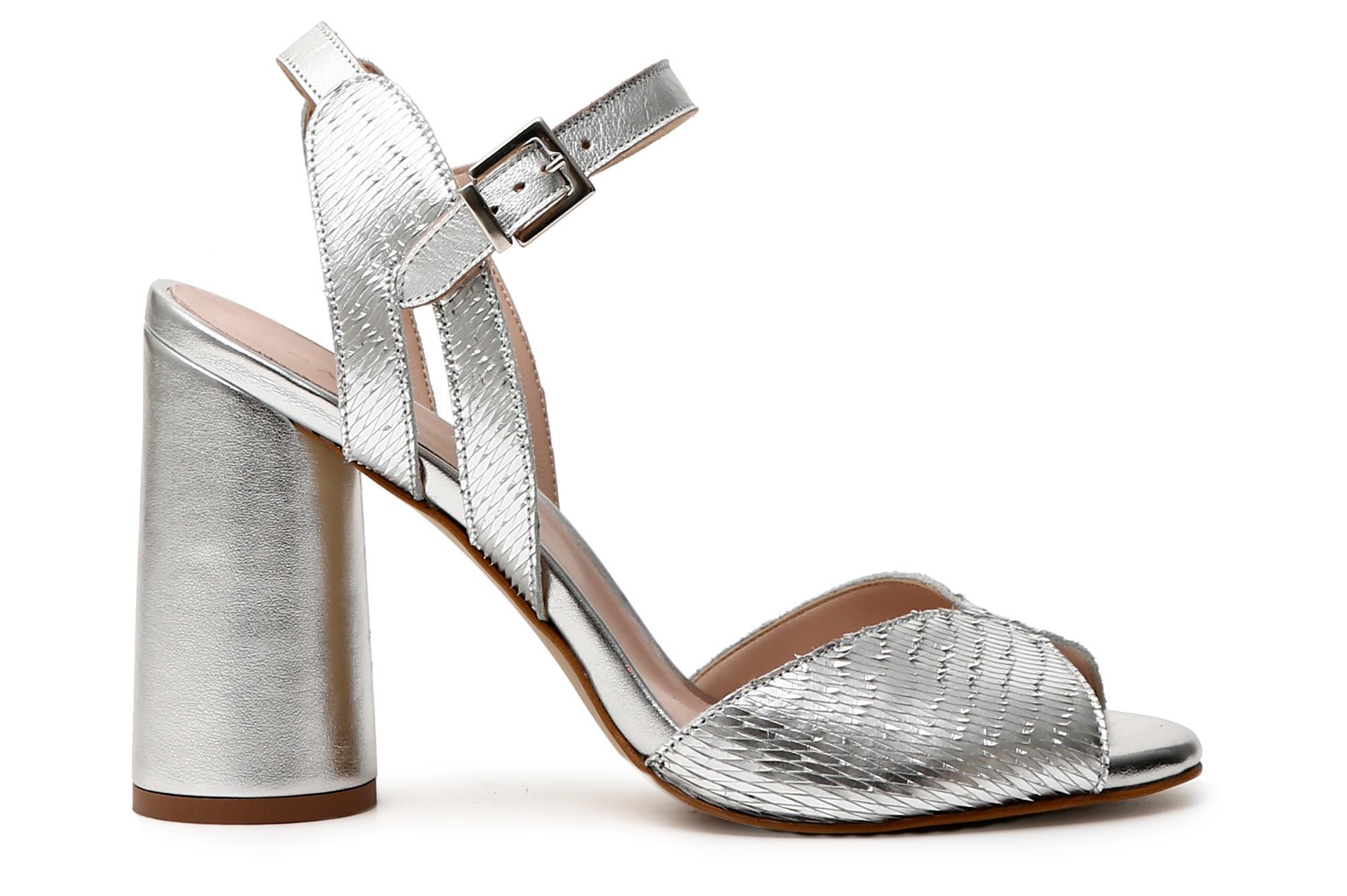 Chaussures Cafè Noir KLB101 SANDALE EN EN EN CUIR SCULPTÉ | De Haute Qualité Et De Bas Frais Généraux  f0c5ea